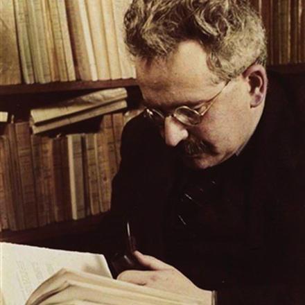 """Walter Benjamin reads Sigfried Giedion, """"Bauen in Frankreich"""" (1928)"""