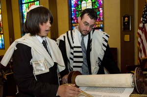 Torah readers