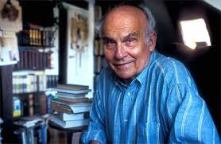 Kapuscinski with booksjpg