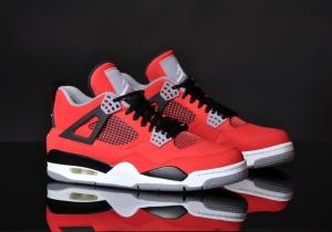 Nike Air Jordan- Nike post