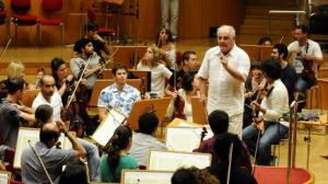 23 Aug 2011, Cologne, Germany --- Conductor Daniel Barenboim rehearses with the West-Eastern Divan Orchestra in Cologne, Germany, 23 August 2011. From 23 until 28 August 2011, Barenboim will lead the philharmony in playing all of the Beethoven symphonies. Photo: Horst Galuschka --- Image by © Horst Galuschka/dpa/Corbis