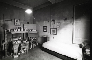 Morandi studio bedroom, bright light