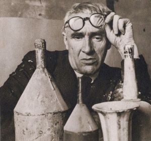 giorgio morandi, photograph, studying bottles