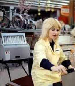 Miou-Miou, cashier, in still from Alain Tanner and John Berger's 1976 film Jonas qui aura 25 ans en l'an 2000 (For Jonas Who Will Be 25 In The Year 2000)