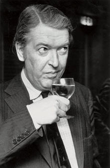 Kingsley Amis drinker
