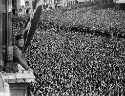 Mussolini speaking to crowd