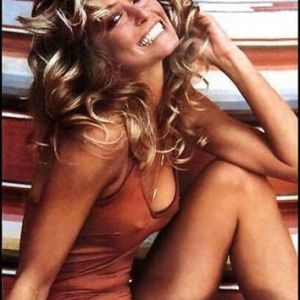Farrah Fawcett, photographer Bruce McBroom, red swimsuit poster (cropped)