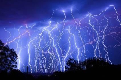 long exposure photo of lightning strikes; credit, n5mbm.net