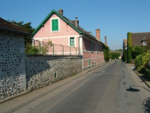 fig. 7 Monet house Giverny street facade