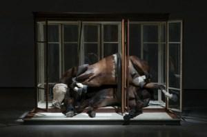 Berlinde De Bruyckere, No Life Lost II, Installation view, Hauser and Wirth, Image courtesy of the gallery, 2016 ©Mirjam Devriendt