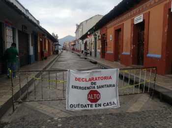 Photo by Clara Timsit, San Cristobal, Mexico, April 2020 - Declaratoria de Emergencia Sanitaria - Quédate en Casa